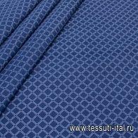Плащевая (н) белый геометрический орнамент на синем - итальянские ткани Тессутидея
