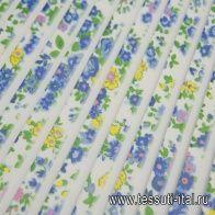 Плиссе (н) голубой цветочный орнамент на белом - итальянские ткани Тессутидея