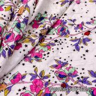 Жаккард (н) цветы и жуки на белом - итальянские ткани Тессутидея