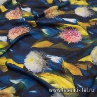 Шелк дама (н) акварельные цветы на синем в стиле Ungaro - итальянские ткани Тессутидея арт. 10-2018